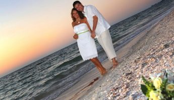 Why Florida Beach Weddings Need a Party and Event Rental Company