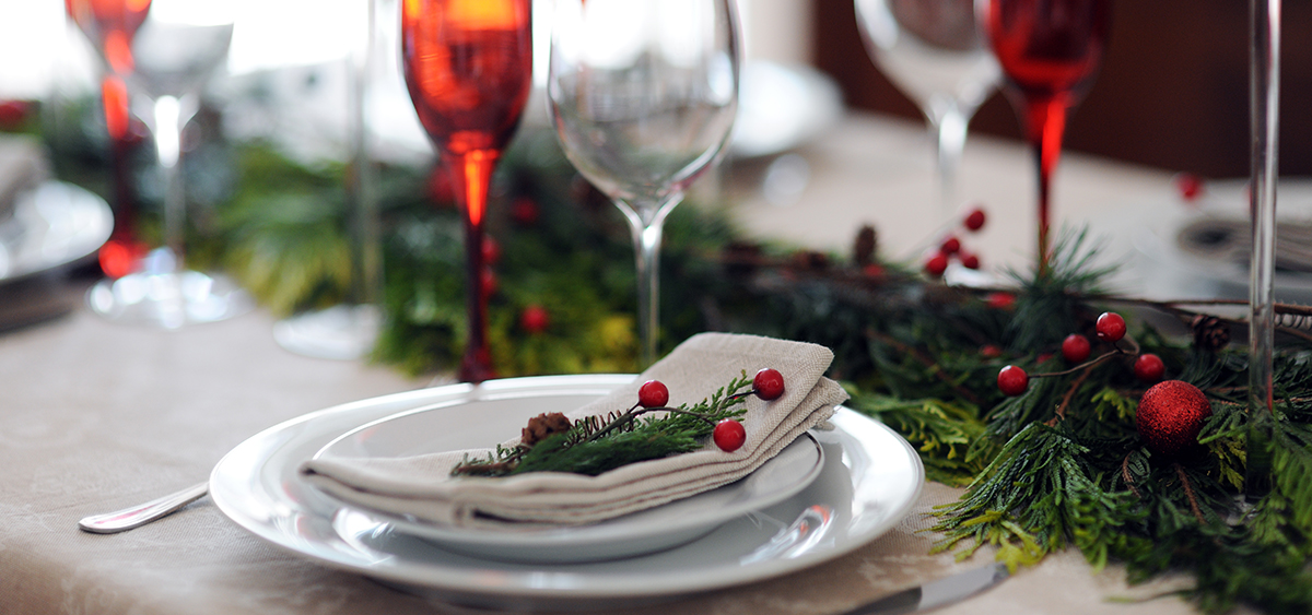 Holiday equipment rental in Tampa give beautiful table settings